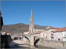 Le vieux pont et l'église