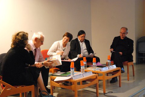 50-ans-crap-table-ronde-1.jpg