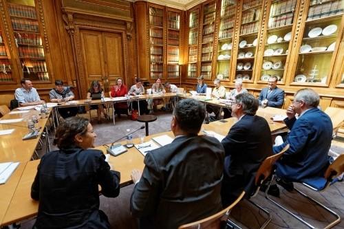 Remise du rapport Teychenné, en présence de Vincent Peillon