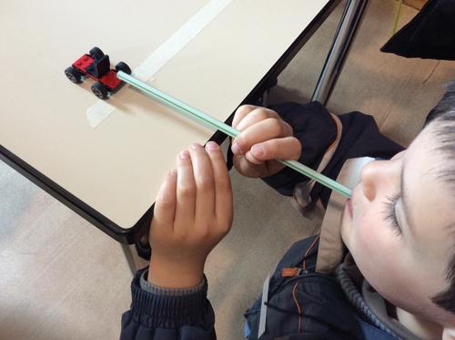 À l'école du Val-des-Roses d'Alberville (REP) l'enseignement actif des sciences ne manque pas de souffle. #energieeolienne