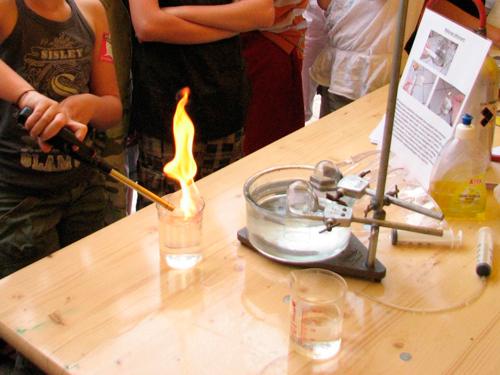 L'expérience du feu en laboratoire