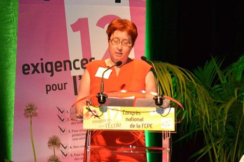a_la_tribune_du_congre_s_de_la_fcpe.jpg