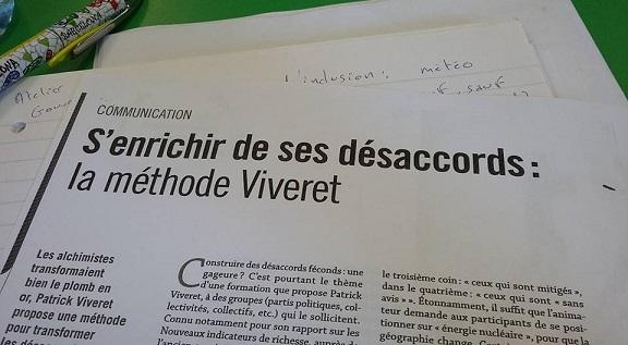 Un article des Cahiers pédagogiques support dans un atelier