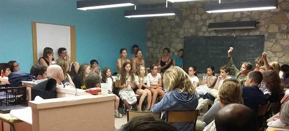 Discussion à visée philosophique et démocratique avec les enfants