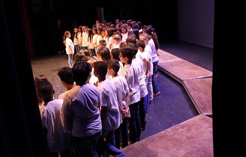 Spectacle annuel de l'école au théâtre municipal de Carcassonne, accompagné par les classes à horaires aménagés Musique